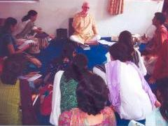Pandit Arun Kashalkar conducting a workshop on 'Bandish'
